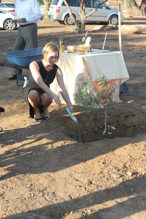 celebration-of-life-tree-planting-ceremony7